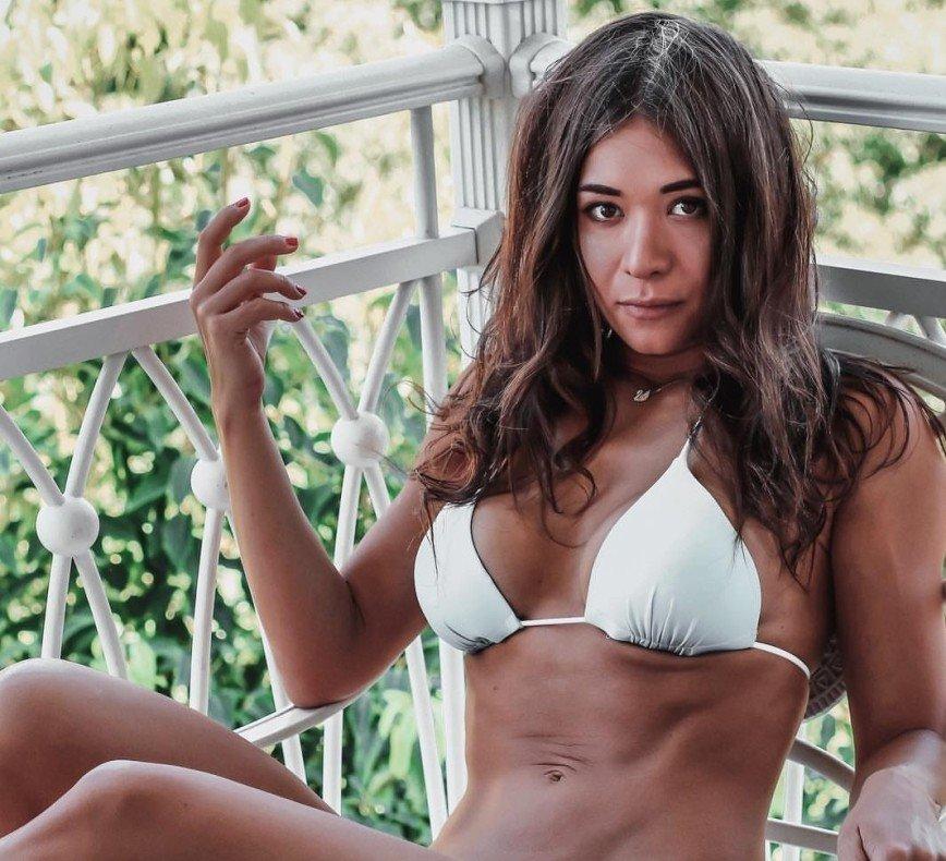 Больше веса: фитнес-тренер Арина Скоромная рассказала, как нарастить ягодичные мышцы