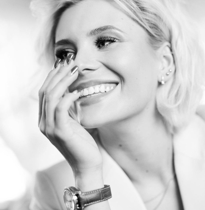 """""""У вас же виниры!"""": Анна Шульгина задумалась, почему не рекламирует зубную пасту"""