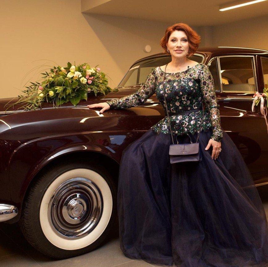 «Мне нравится»: Розу Сябитову сравнили с Роллс-Ройсом