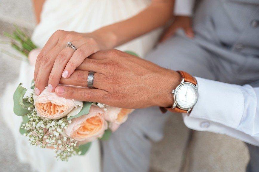 Российский депутат предложил сделать заключение брачного договора обязательным