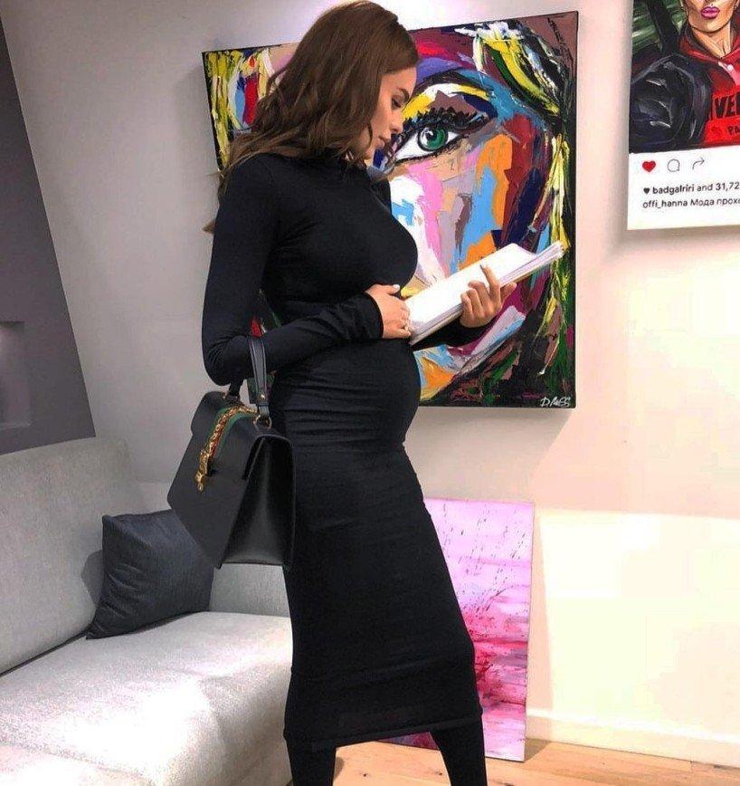 """""""Беременность - это сексуально"""": Ханна опубликовала пикантные снимки"""