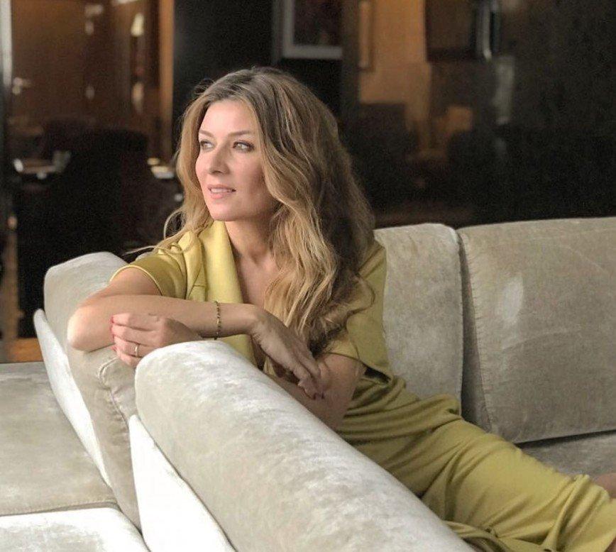 """""""Что-то вас расплющило"""": фото Жанны Бадоевой в ванне подверглось критике"""