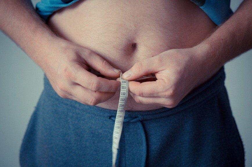 Хлеб, масло и картошка: ученые выяснили, что 40% россиян страдают от лишнего веса