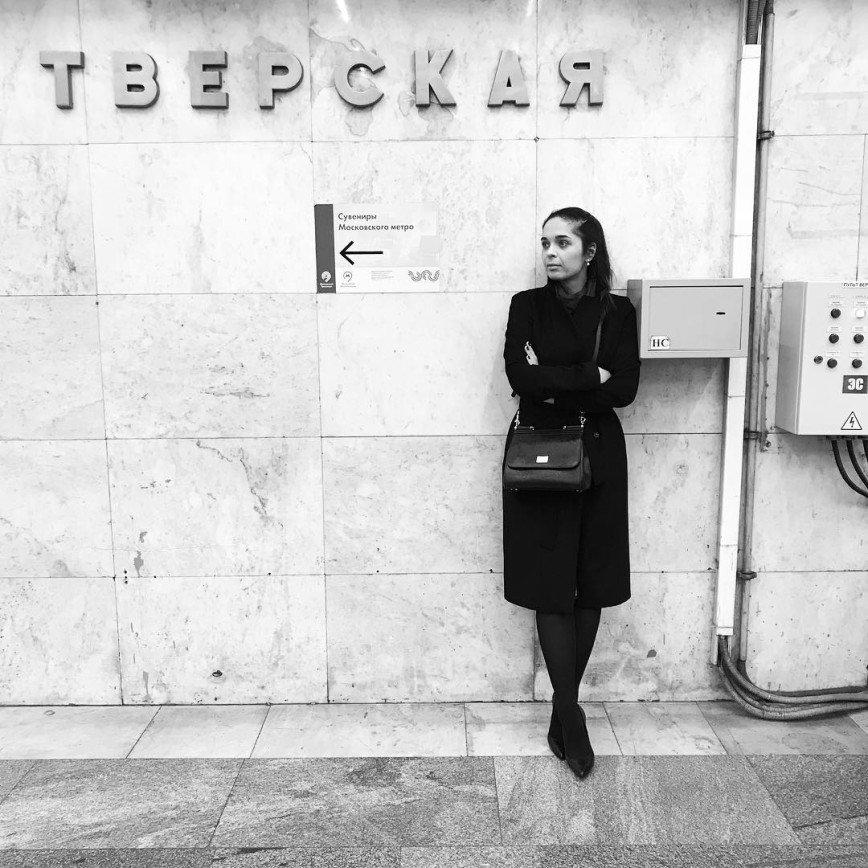 Руслан Белый или котенок: в интернете гадают, с кем Юлия Ахмедова отпраздновала 35-летие
