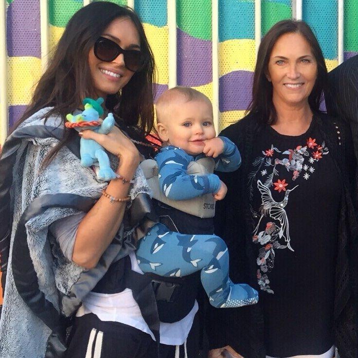 «Невозможно красивые»: Меган Фокс показала свою маму