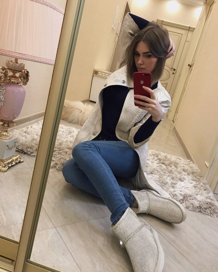 Евгения Феофилаткова отстригла шикарные волосы