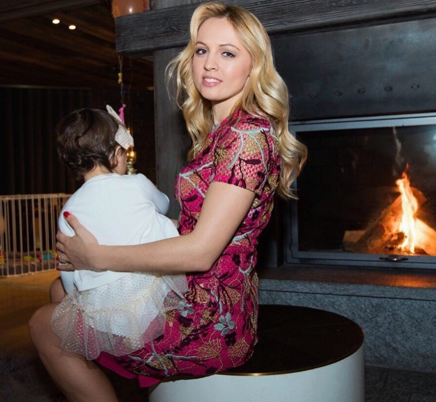 Янина Студилина задумалась о втором ребенке