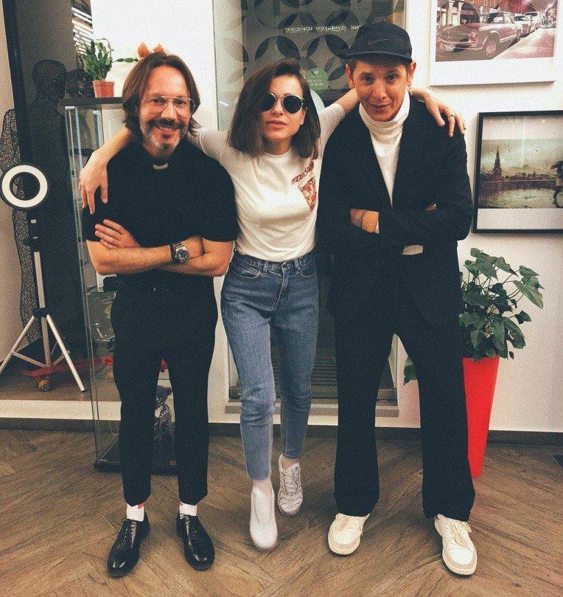 В ответ на критику фанатов Елена Темникова сфотографировалась в белье