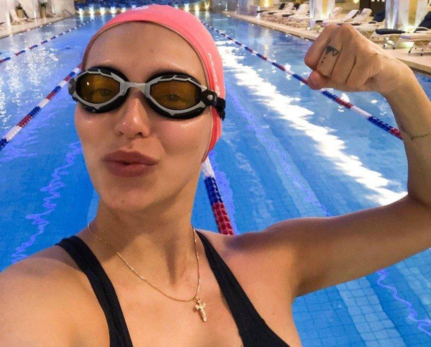 СМИ: Регина Тодоренко родила сына Владу Топалову