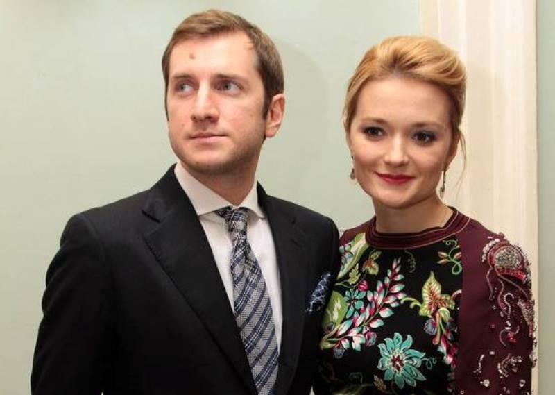 Бывший муж Надежды Михалковой трогательно признался в любви своей новой девушке