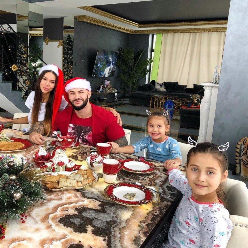 Без Мэри Поппинс: Оксана Самойлова не пользуется помощью нянь в воспитании детей