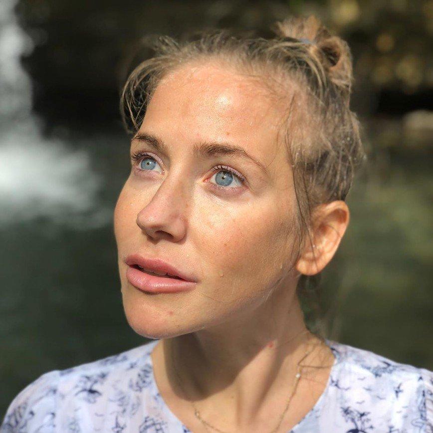 Только природа: Юлия Барановская показала лицо без косметики