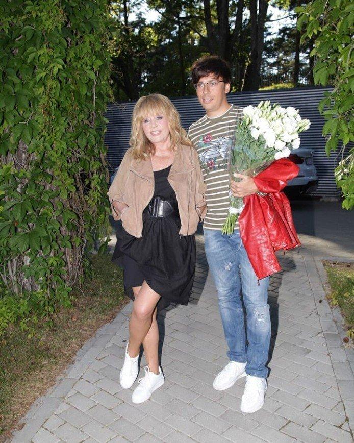 «Ты бы штаны надел!»: Пугачева показала Галкина в трусах