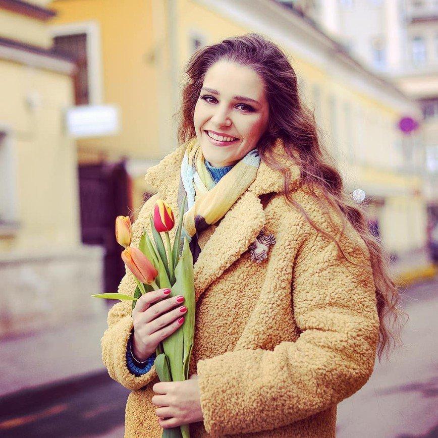 Была коса до пояса: Глафира Тарханова показалась с короткой стрижкой