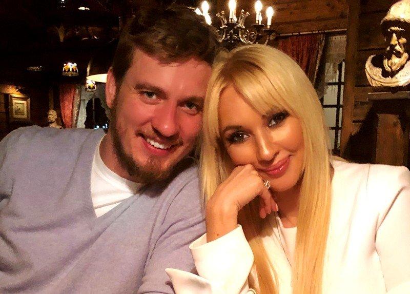 «Спустя 5 лет купила альбом»: Лера Кудрявцева показала свадебные фото