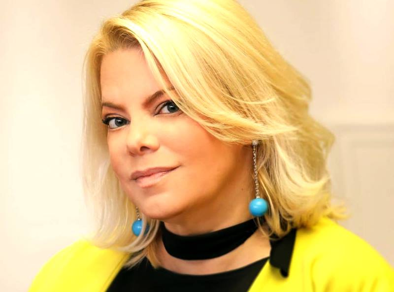Я прекрасна: 51-летняя Яна Поплавская показала лицо без макияжа