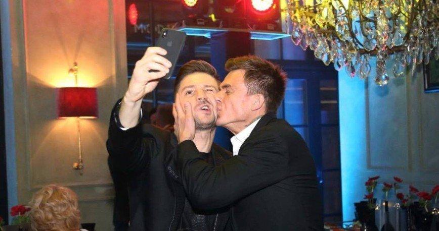 Влад Топалов и Сергей Лазарев обменялись любезностями в сети