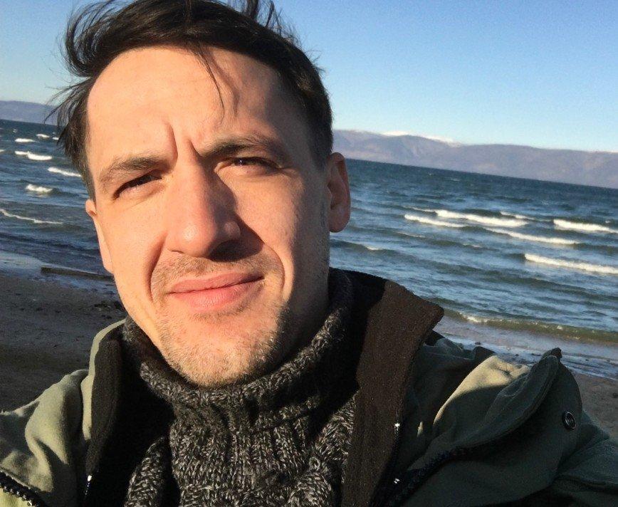 Артур Смольянинов признался, что его младший брат страдает от аутизма