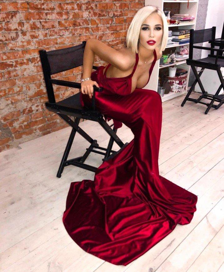 Екатерина Колисниченко спасает сожженные волосы