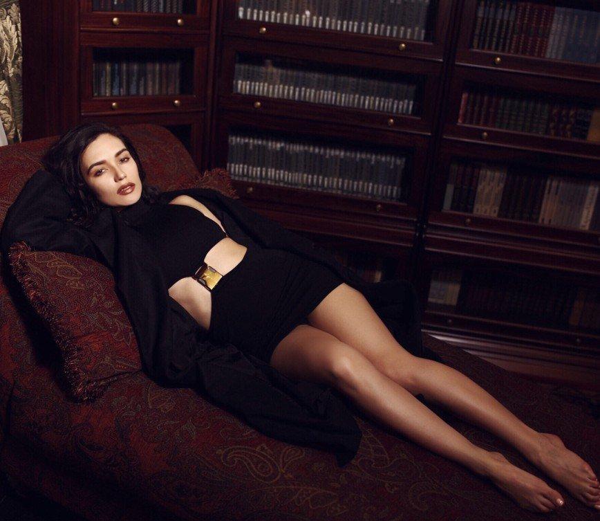 Откровенно: Ольга Серябкина посетила новогоднее шоу в «голом» платье