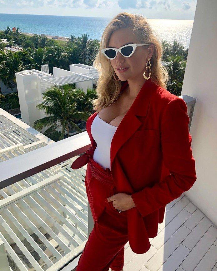 «Беременная в Майами»: самая сексуальная женщина планеты Кейт Аптон ждет ребенка