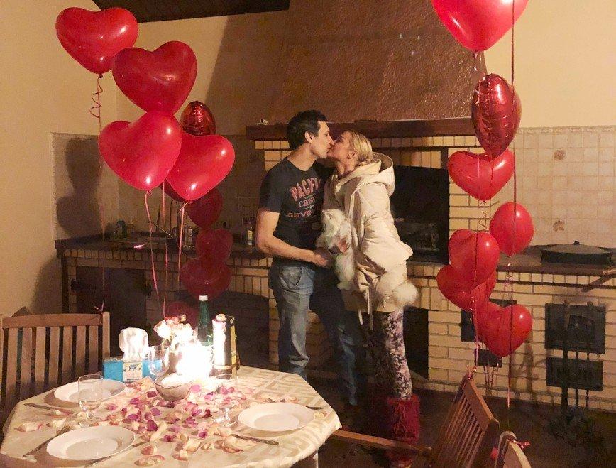 «Порадуйтесь без злорадства!»: Анастасия Волочкова показала празднование Дня влюбленных
