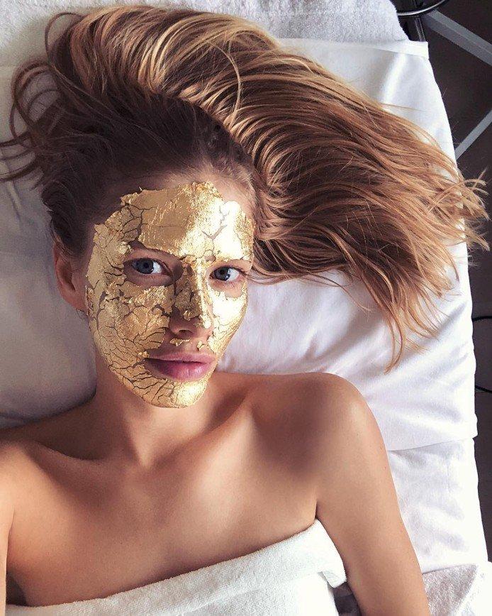 «Такой я свою кожу не видела никогда»: Елена Перминова советует отказаться от молока