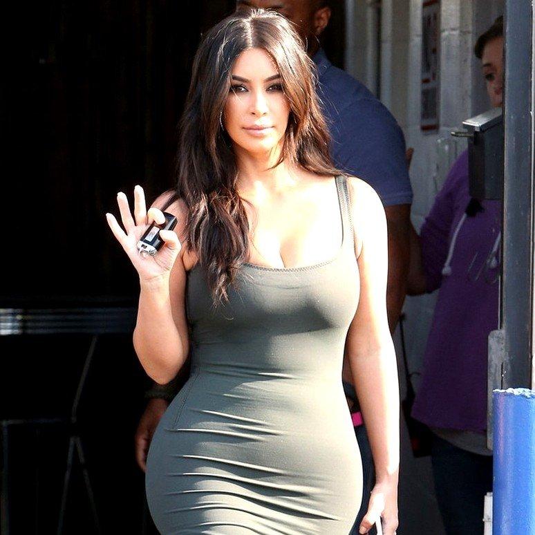 «С такими деньгами такое на голове»: Ким Кардашьян просят вернуть темный цвет волос