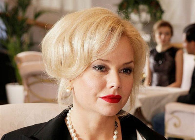 «Без гримеров и стилистов»: Елена Корикова показала удачную фотосессию