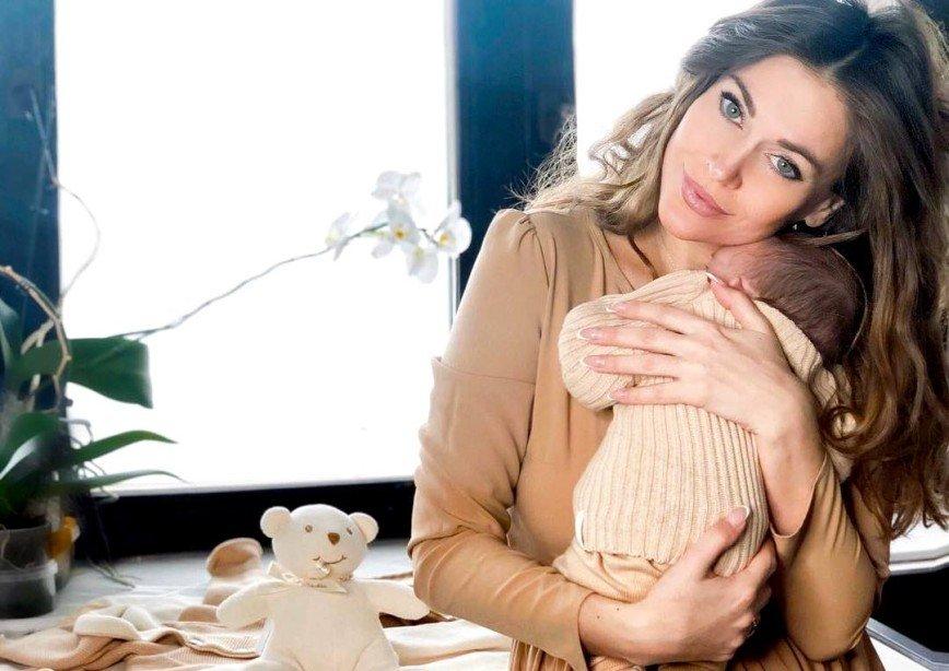 Татьяна Терешина показала, как кормит сына грудью