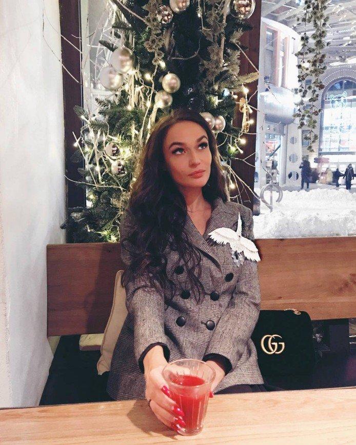 Алена Водонаева: блины для меня всегда были праздником и счастьем