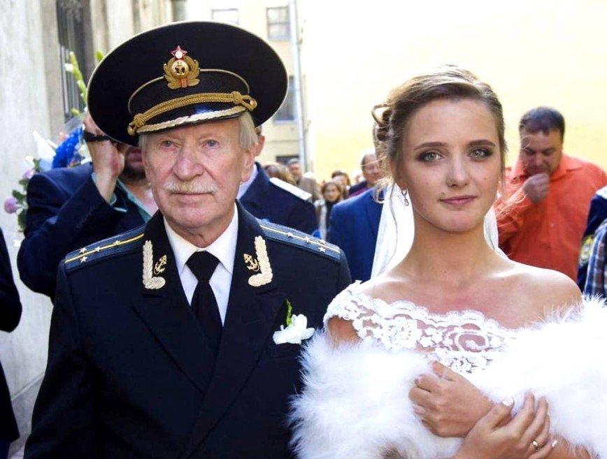 """Молодая жена Ивана Краско: """"Я подобрала этого человека"""""""