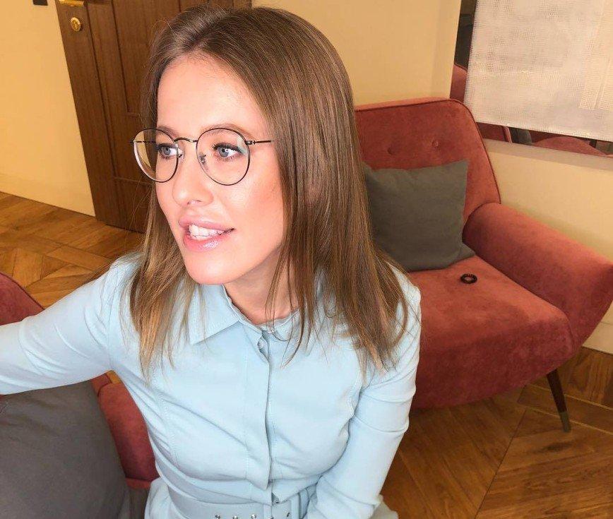 «Интересно узнать что-то новенькое»: Ксения Собчак высмеяла слухи о беременности