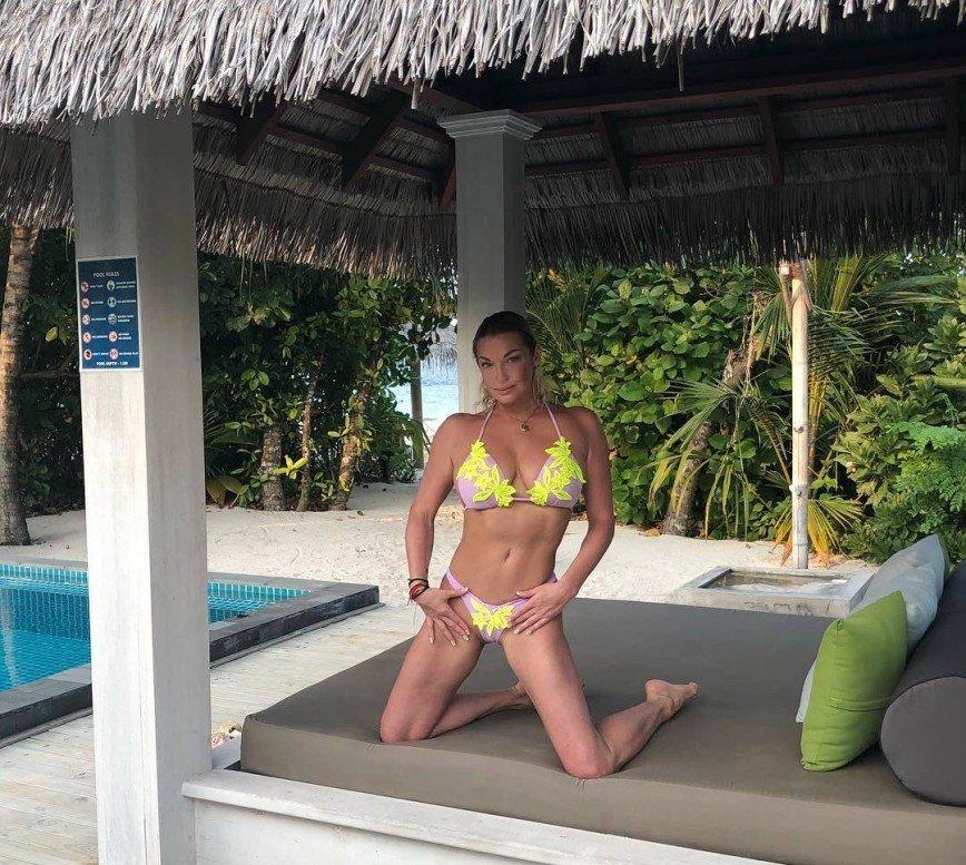 Анастасия Волочкова просит недоброжелателей не заходить на ее страницу