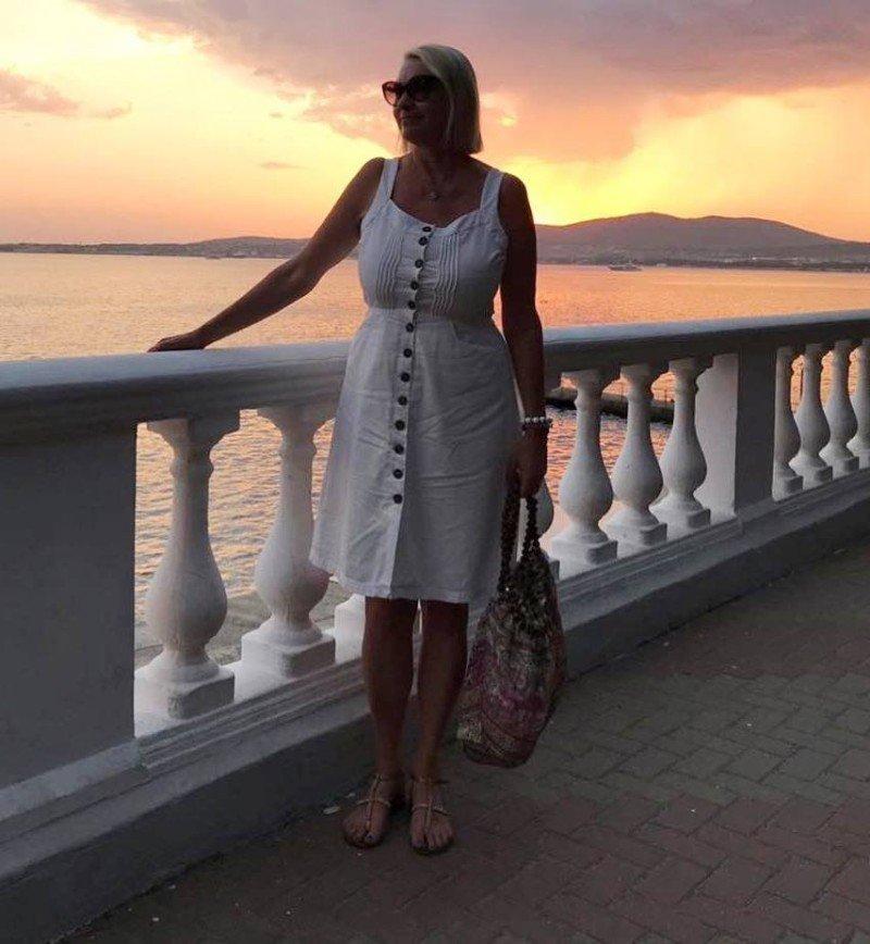 Алена Водонаева обсудила фигуру своей мамы в ее день рождения