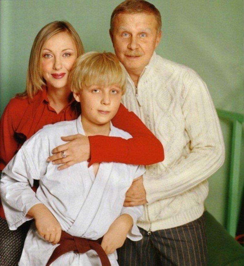 Елена Яковлева трогательно призналась в любви к сыну