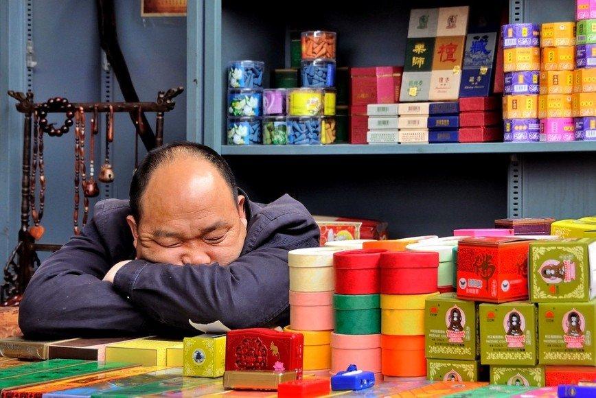 Ученые признали длительный сон опасным для жизни