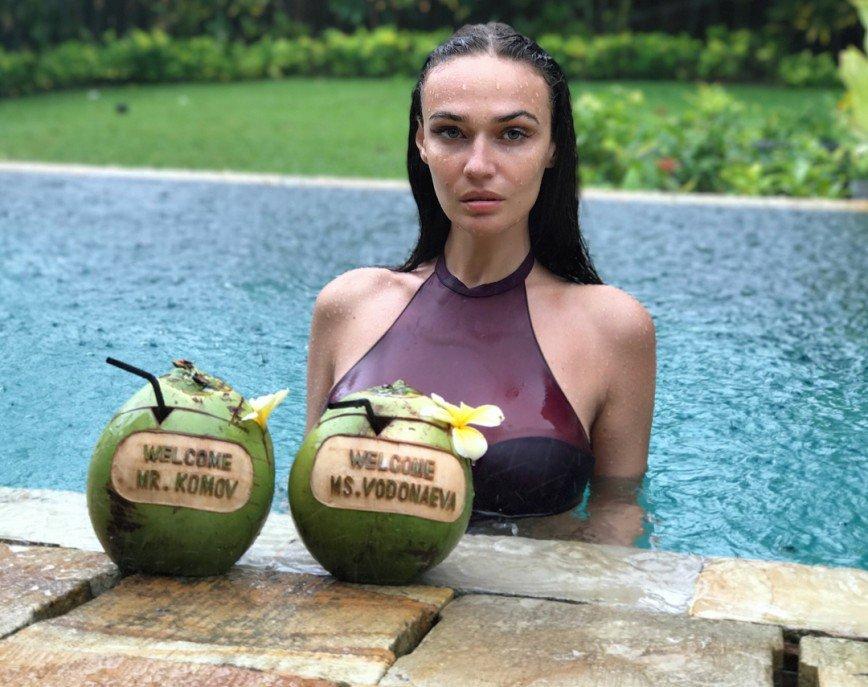 «Всегда и везде выбираю жесткий стиль»: Алена Водонаева рассказала о SPA-процедурах на Бали