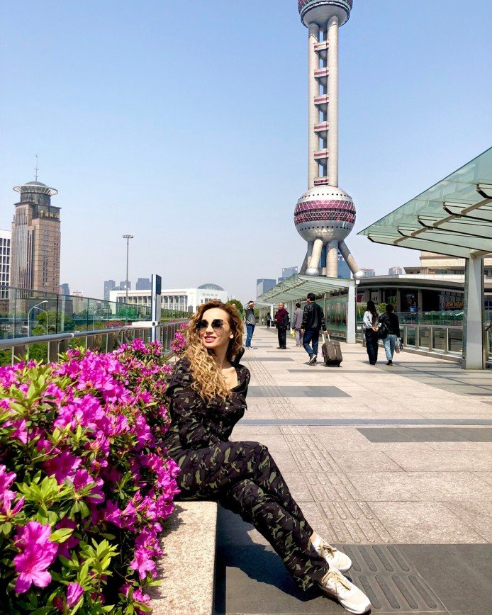 Все достойны такой жизни: Анфиса Чехова о достатке и роскоши