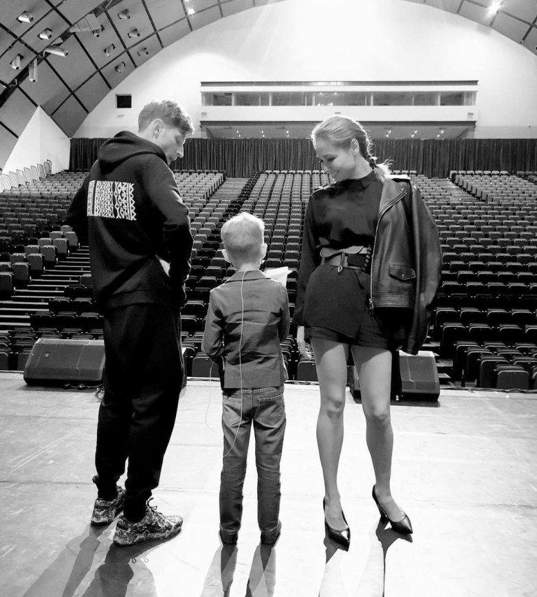 По стопам родителей: сын Павла Воли и Ляйсан Утяшевой готовится выйти на сцену