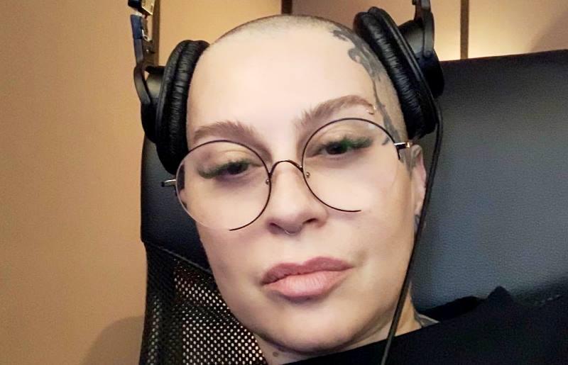 Блондинка: Наргиз Закирова показала себя в 18-летнем возрасте