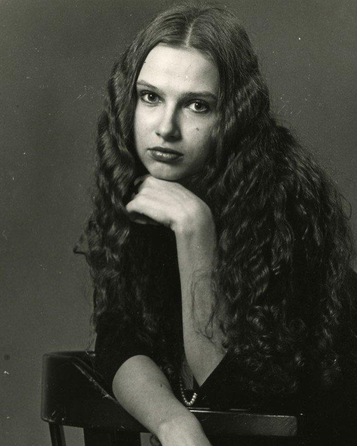«Вот такая девочка»: Эвелина Бледанс показала архивные фото