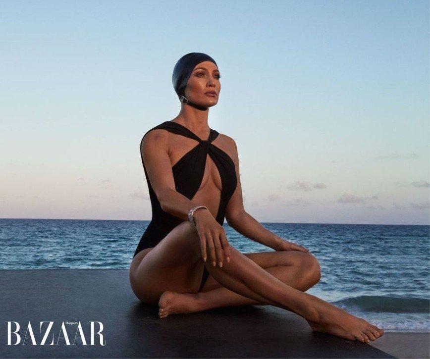 Гламур на пляже: Дженнифер Лопес снялась в фотосессии для глянца