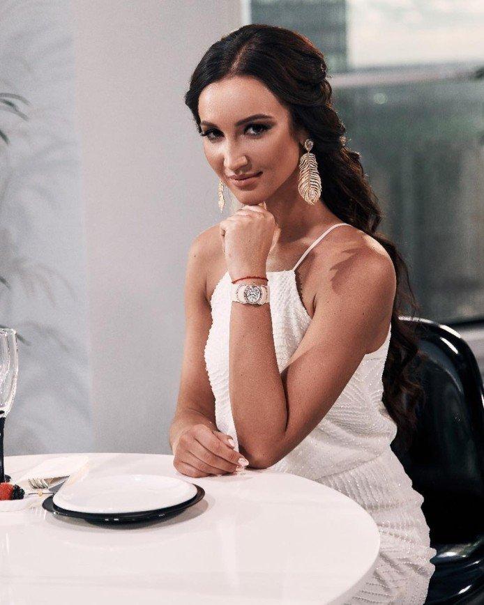 Мне сложно поверить мужчинам: Ольга Бузова следит за претендентами на ее сердце