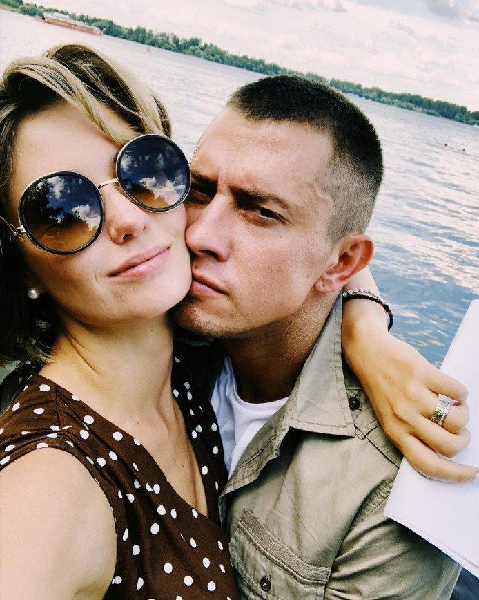 «Мы очень-очень разные»: Агата Муцениеце назвала причину размолвки с мужем