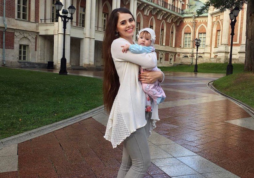 «Наш Василечек»: Ольга Рапунцель впервые показала лицо дочки