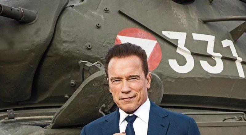 Арнольд Шварценеггер в эфире телешоу раздавил лимузин своим танком