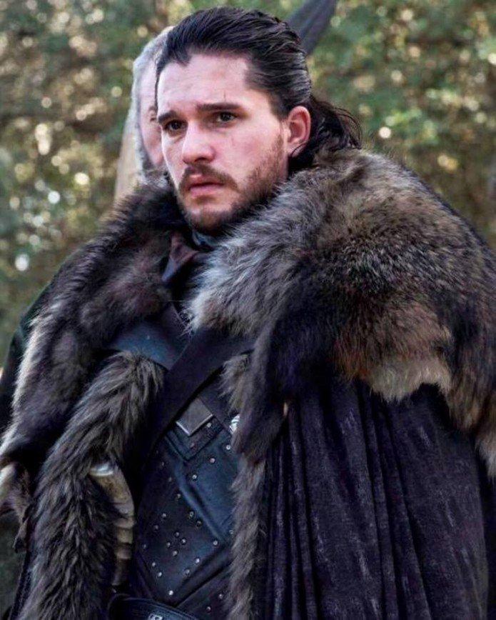 Звезда «Игры престолов» Кит Харингтон возглавил список самых безвкусно одетых мужчин
