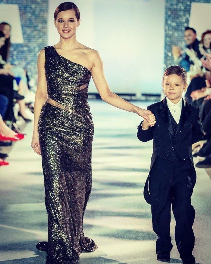 Одно лицо: Екатерина Шпица поделилась редким фото с сыном