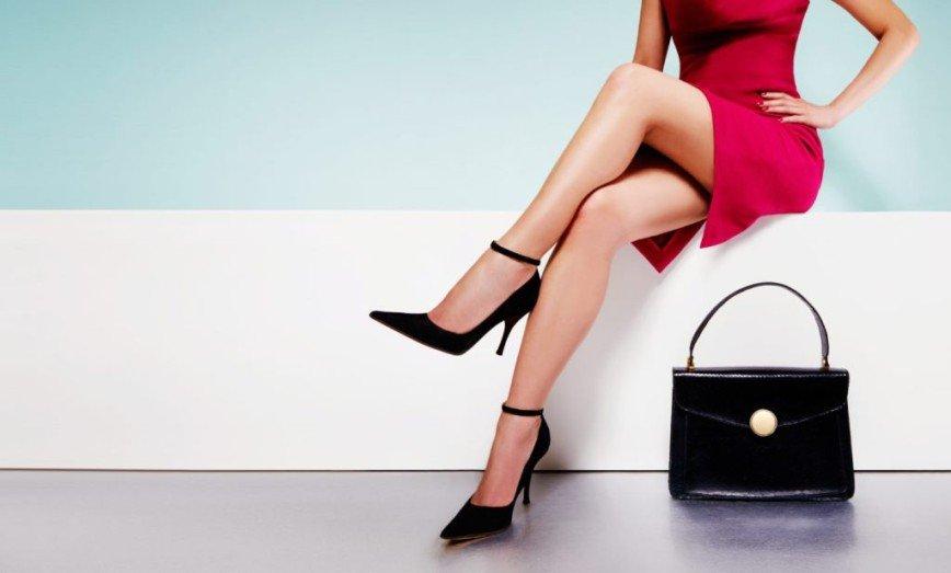 Показываем ножки: как правильно носить мини-юбку